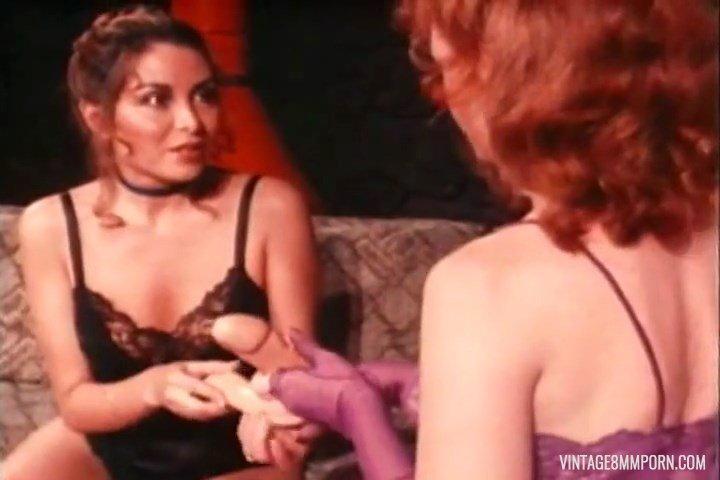 Lesbian sex (unknown cast)